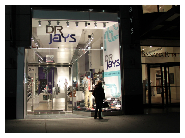 Lists over 32,000 manhattan on or Clothing Stores in Manhattan stores